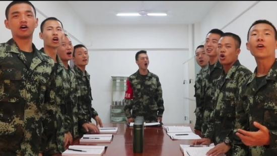 【天眼V视】表白祖国!来听贵州武警官兵唱响《我和我的祖国》
