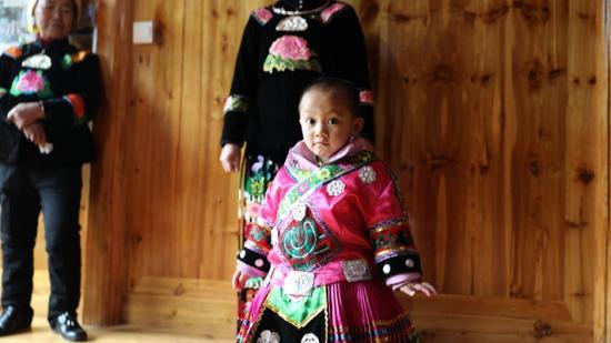 天赋!雷山这个3岁会跳舞的苗族小女孩火了!你品,你细品……