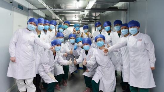 """【援鄂前线】他们是这样被贵州医疗队治愈的 贵州""""战""""法鄂州显身手"""