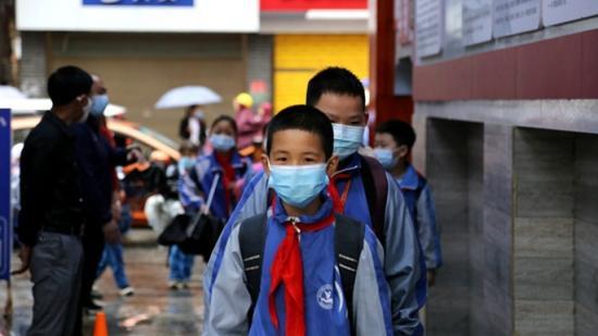 镇远:红领巾们开学啦!
